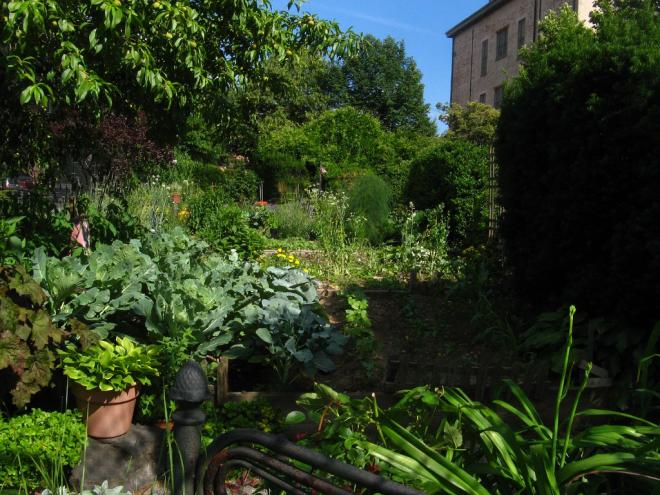 Lower Weights, Body Mass Index Found Among Community Gardeners